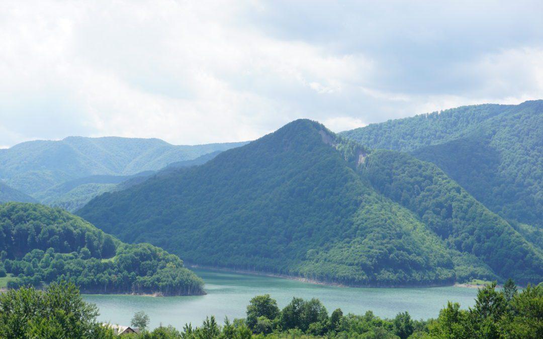 Magia lacului de argint din Muntii Buzaului