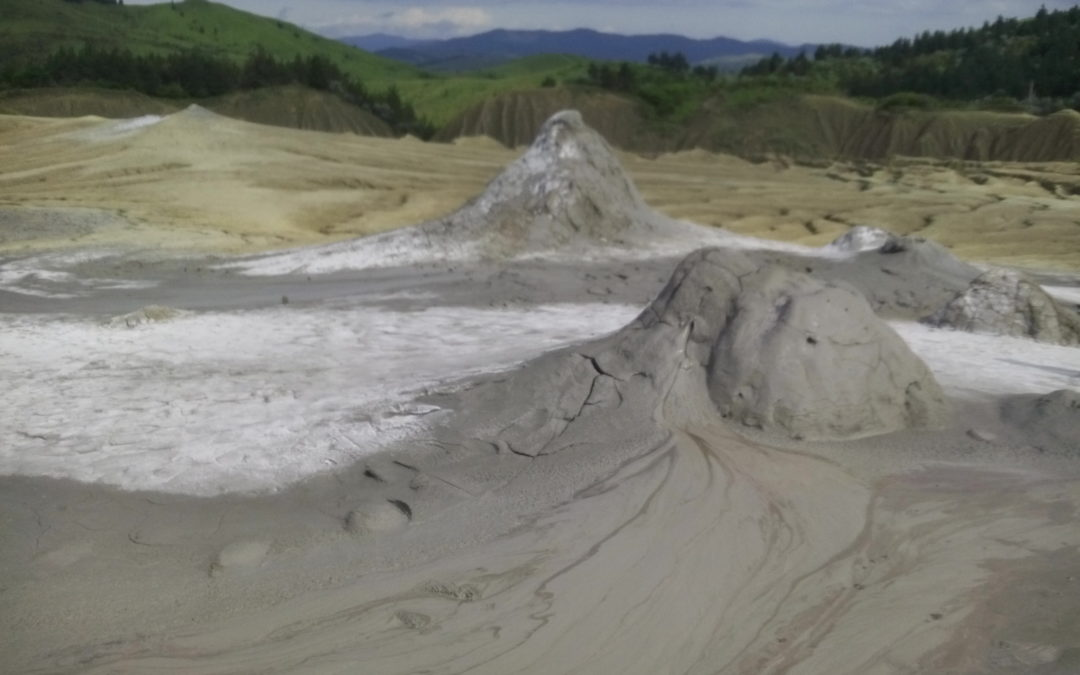 Drumul Vulcanilor Noroiosi intra in reparatii